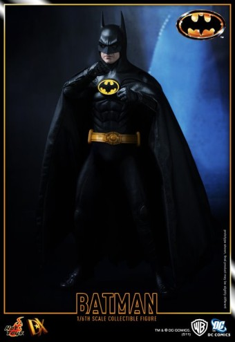 Sixth Scale Figure of Michael Keaton as Batman!