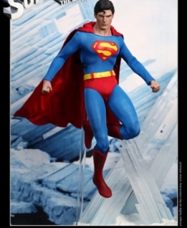 Pre-Order Christopher Reeve as Superman by Hot Toys!